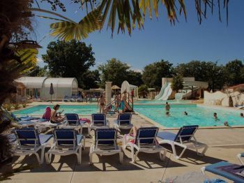 Camping Domaine Les Charmilles **** : Baden / Wellness