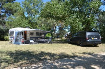 Camping La Sousta **** : Emplacements