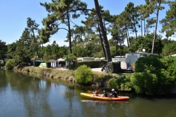 Camping Les Viviers **** : Pitches