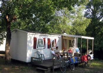 Camping Sen Yan ***** : Accommodaties