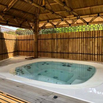 International Camping **** : Baden / Wellness